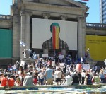photo - Rally in support of Israel drew a few hundred people to the Vancouver Art Gallery on Sunday