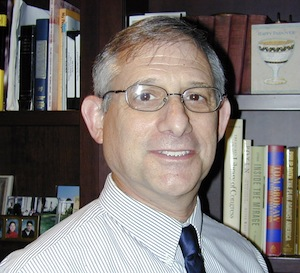 photo - Rabbi Howard Siegel will be with the congregation through June 2015