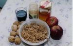 photo - Ashkenazi-style charoset: apples, walnuts, cinnamon and red wine