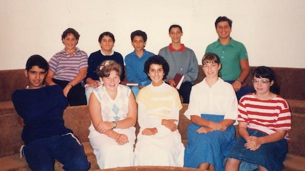 photo - Maimonides high school's first Grade 8 students, 1986
