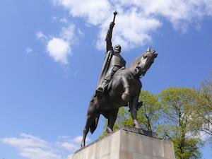photo - A statute of Jan Zamoyski, founder of Zamosc