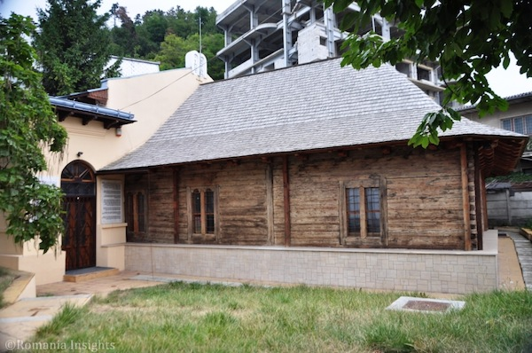 photo - The wooden synagogue in Piatra Neamt