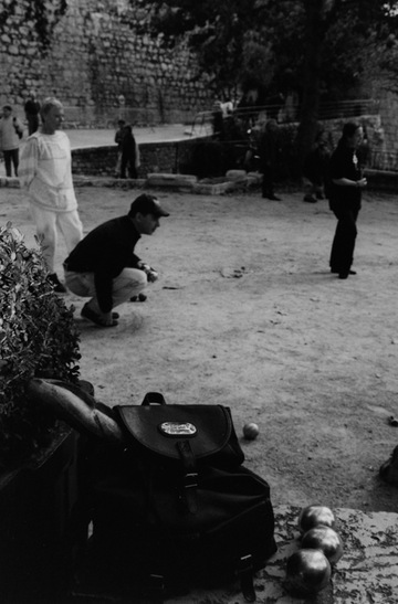 photo - Paul Shore in action on the pétanque field