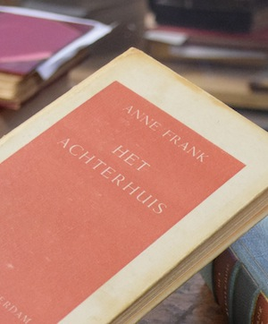 photo - Het Achterhuis. Anne Frank's The Diary of a Young Girl