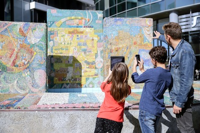 photo - The mosaics at Nahum Gutman Fountain