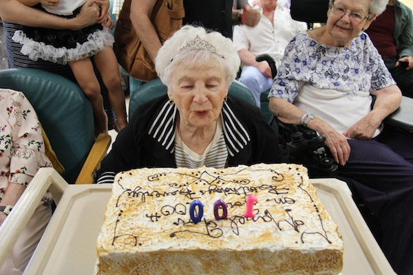 photo - On June 18, L'Chaim Adult Day Centre threw a party for Beverly Klein's 100th birthday