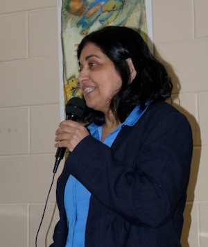 photo - Water scientist Dr. Zehava Yehuda speaks at a Winnipeg Friends of Israel event Nov. 27