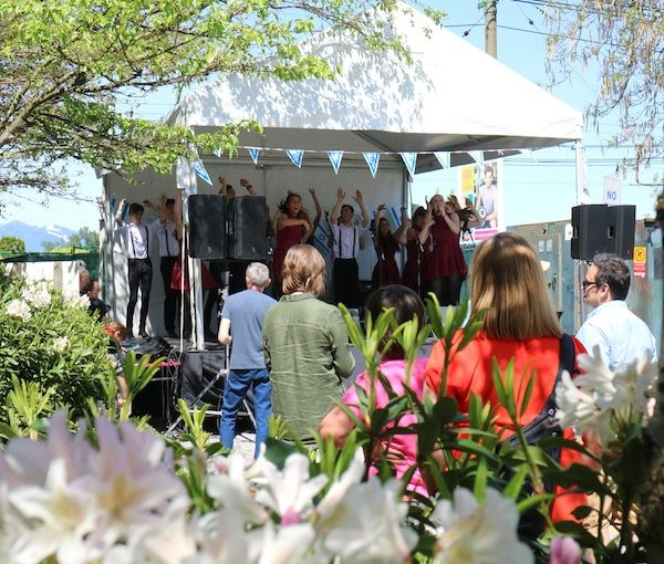 photo - The outdoor fair features live entertainment