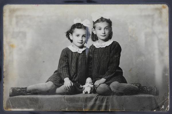 photo - Susan-Zsuzsa and Lili Klein