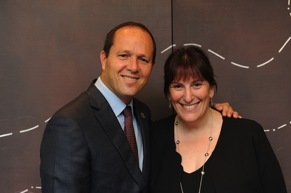 photo - Then-mayor of Jerusalem Nir Barkat and Nomi Levin Yeshua at the Jerusalem Foundation of Canada gala in Toronto in 2014