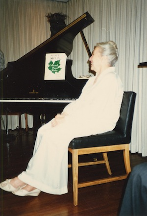 photo - Photograph from an unidentified event in 1985, possibly a University of British Columbia event, likely in honour of Harry Adaskin