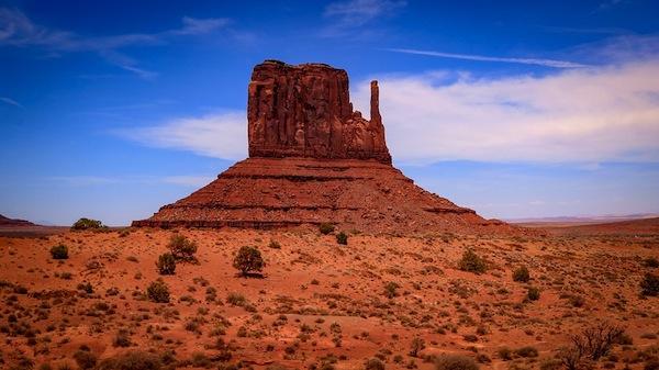 photo - Monument Valley in Utah