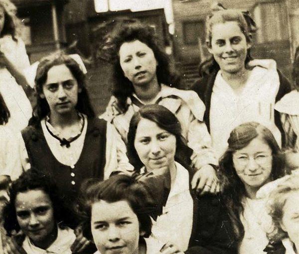 photo - Girls at Strathcona School, circa 1915