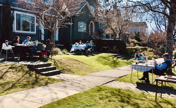 photo - Families on 23rd Avenue in Vancouver found an innovative way to celebrate Passover
