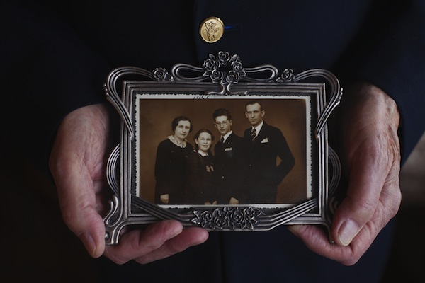 photo - Leslie Vértes shares a family photograph. Vértes is one of the survivors featured in the Montreal Holocaust Museum exhibit Witnesses to History, Keepers of Memory